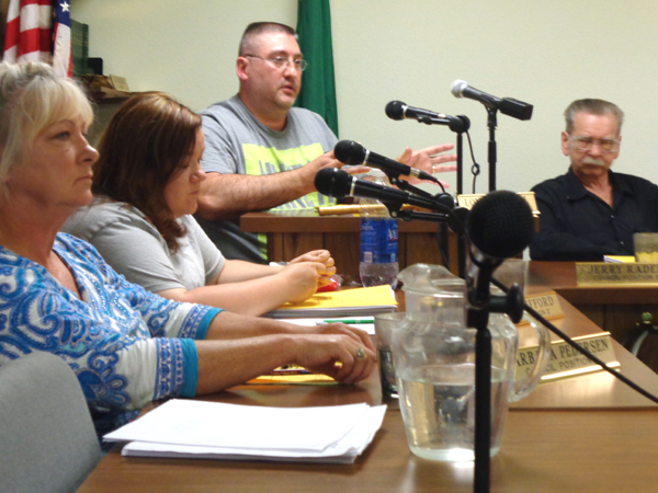 Vote for police contract fails as Winlock seeks more info