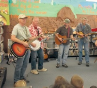 Astoria folk artists visit Winlock library