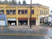 Bricks collapse from old Winlock building