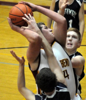 Navs steer Indians to 60-52 loss