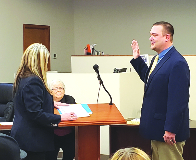 Napavine swears in a new mayor