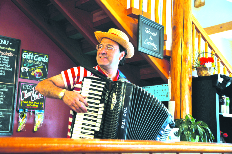 Renowned Accordionist to Perform at Chehalis Timberland Library