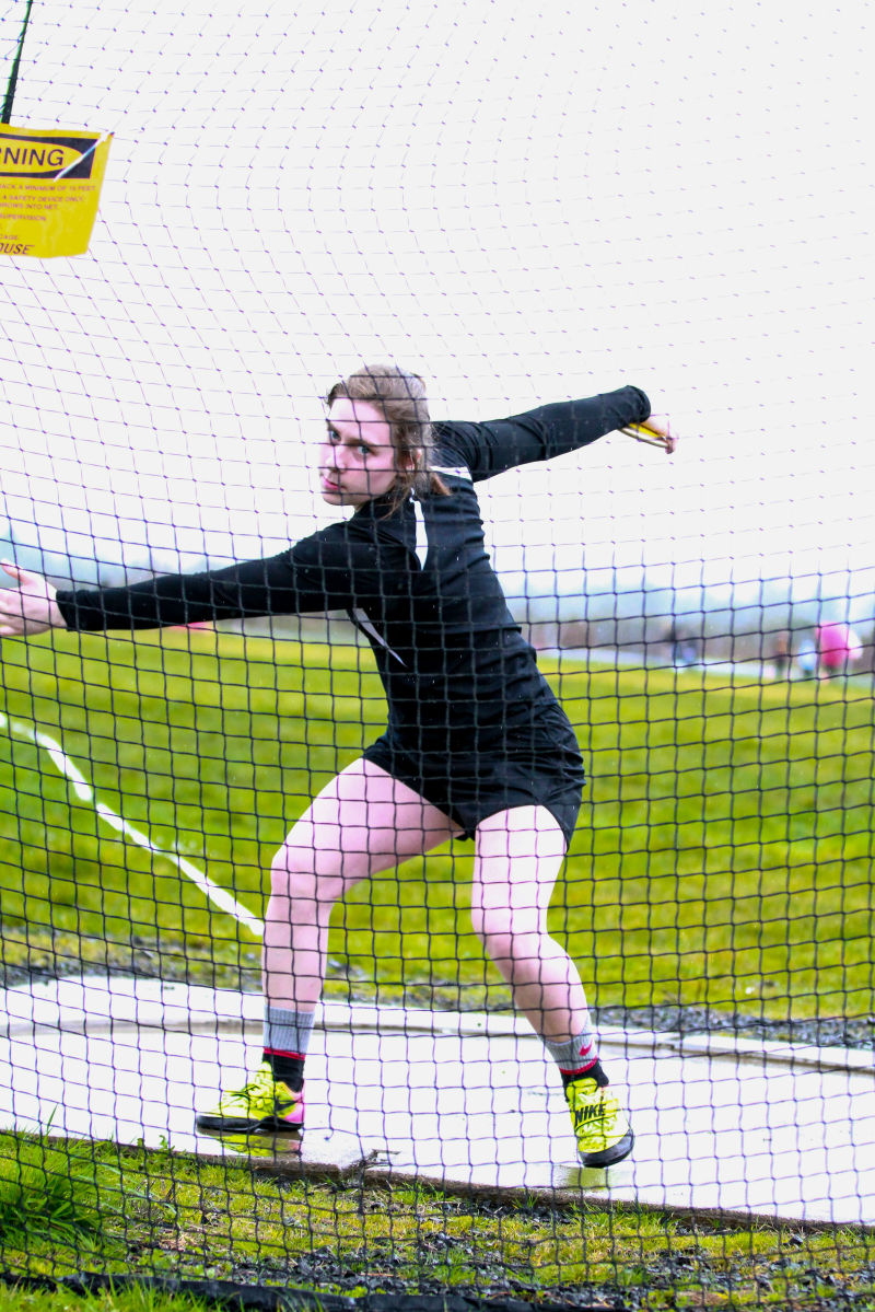 Freeman rewrites school record, leads nation in discus