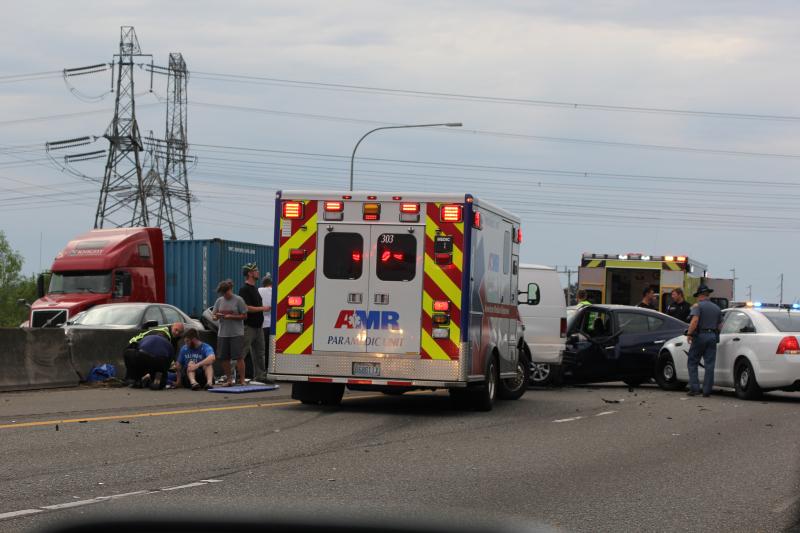 Accident on I-5 stops traffic near Chehalis