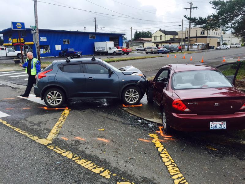 Injury collision on  Sumner Ave at Ontario Street