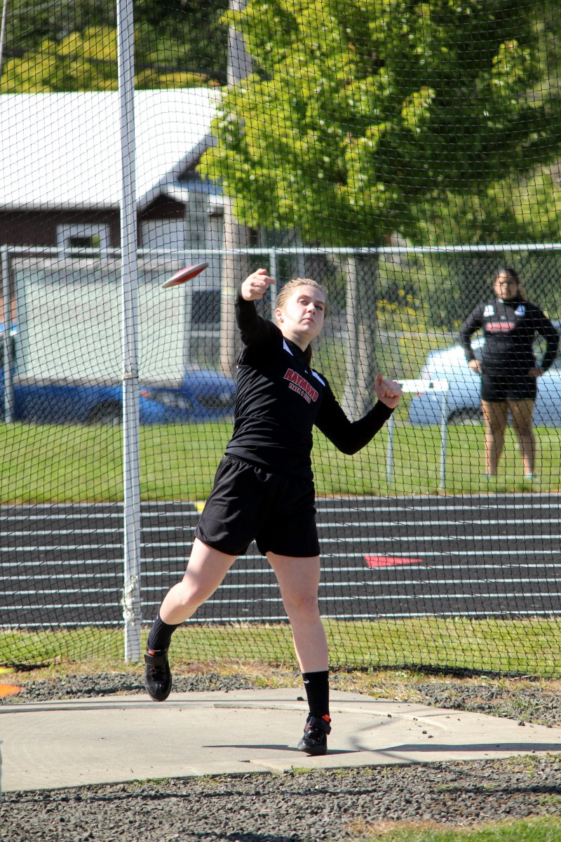 Valley places fifth at meet