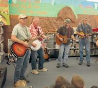 Astoria folk artists visit Winlock library