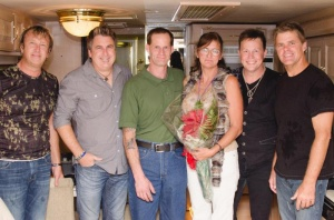 Man proposes marriage at Lucky Eagle concert
