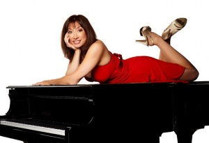 'Jump!' at Sunday performance with pianist-vocalist Diane Lines