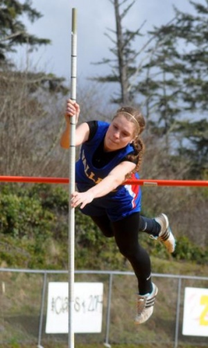 Hodel leads wins over North Beach