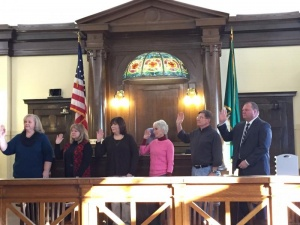 Elected officials swear in