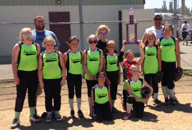 Good Sports of the Week: Pioneer Select Grocery L.G. Bombers