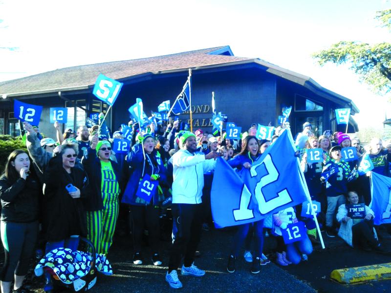 Seahawks 12 Flag Tour visits Raymond