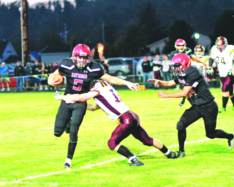 Seagulls run wild in romp over Indians; Edwards nets 217 yds