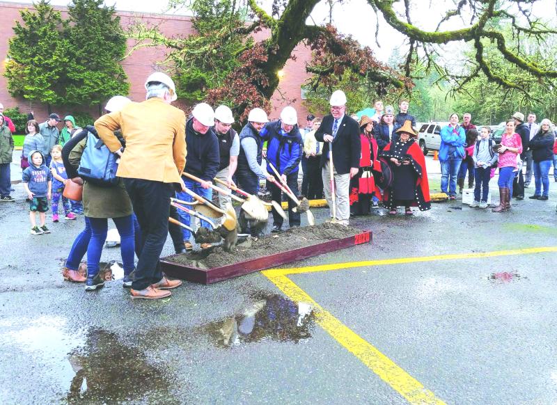 New Toledo school breaks ground